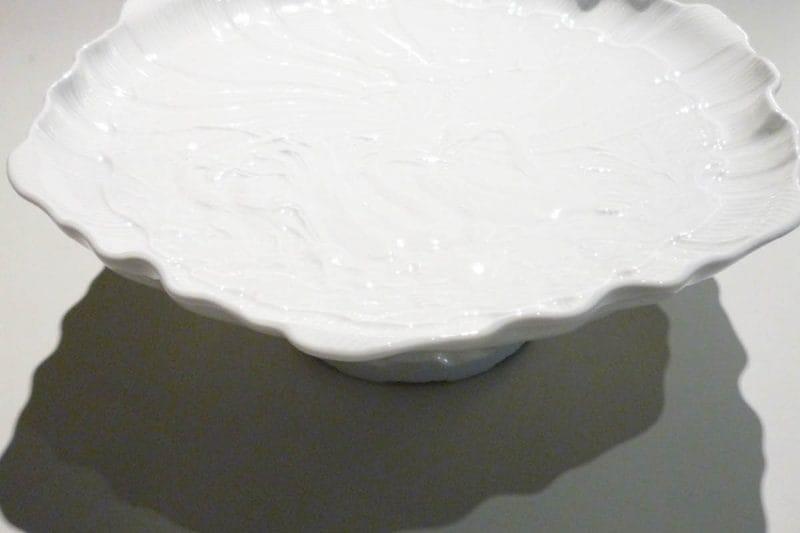 Tortenplatte auf Fuß aus Schwanenservice Meissen