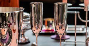 Coole Drinks aus Silberbechern von Robbe und Berking