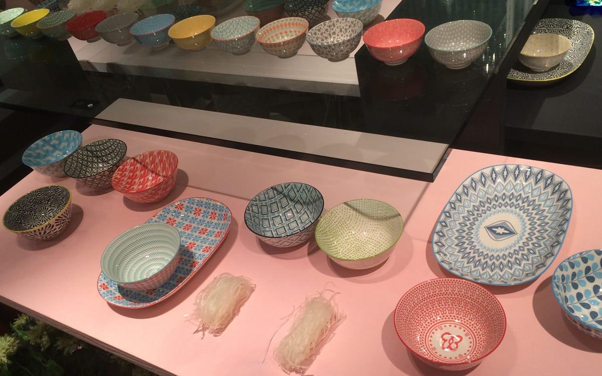 bunte-bowls-mit-vintage-optik