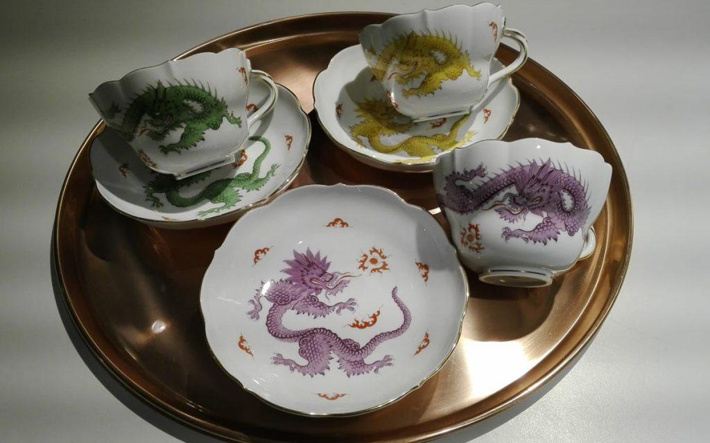 Große Tasse Dekor Ming Drache aus der Manufaktur Meissen