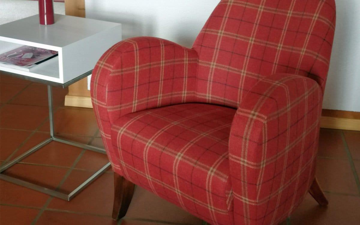 Sessel neu bezogen und aufgearbeitet