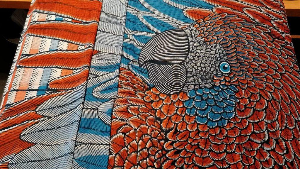 Schal mit Papageimotiv, Baumwolle